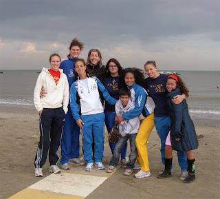 Foto di gruppo sulla spiaggia di Cesenatico