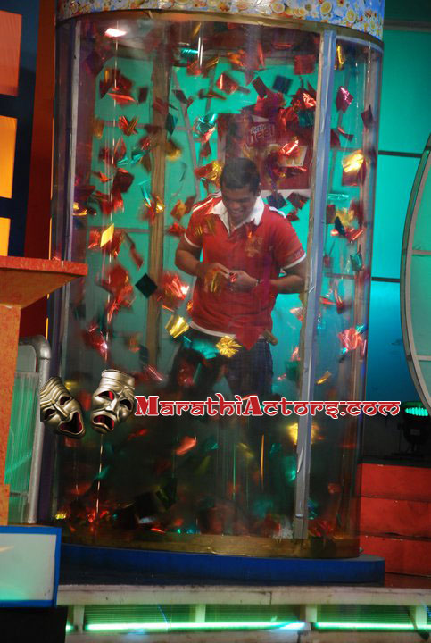 siddharth jadhav at active wheel present wow tv serial show photos