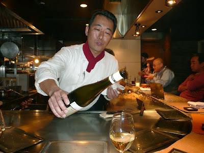 Japon : O qu'il est bon le steack de boeuf de Kobe à 2000 euro... avec sa garniture;o)