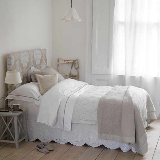 vintage rose bedroom | szolfhok.com - Letto Country Chic