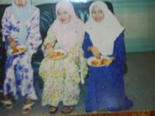 KEBAYA MADE IN 2000, PIC YEAR 2003