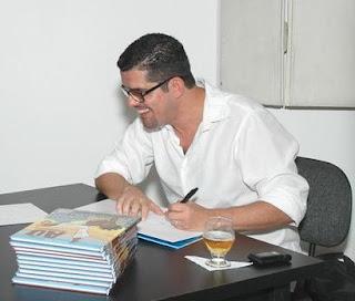 Flavio Luiz no lançamento de Aú, O Capoeirista