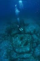 Piramida Besar Di Laut Segitiga Bermuda [ www.BlogApaAja.com ]