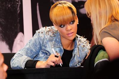 Rihanna Yeni Saç Modeli