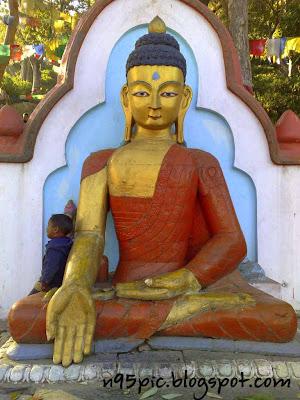 statue of Budhha , entrance to swayabhunath,number of statue of gautam buddha,statue of gautam budhha in swyambhu,swayambhu, nepal