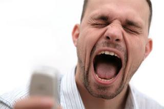 mini guia - ARTICULOS: LA MINI GUIA ANTI DESPACHOS. Angry-customer-phone