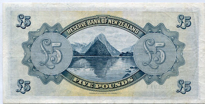 World Currency New Zealand 5 Pounds banknote Milford Sound and Mitre Peak