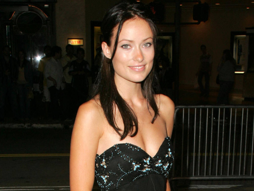 Olivia Wilde Has a Boyfriend - a Dog