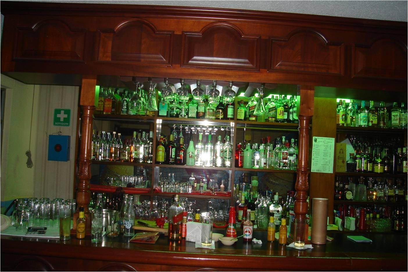 Nociones basicas del bar lo nesesario para el area de bar for Cristaleria para bar