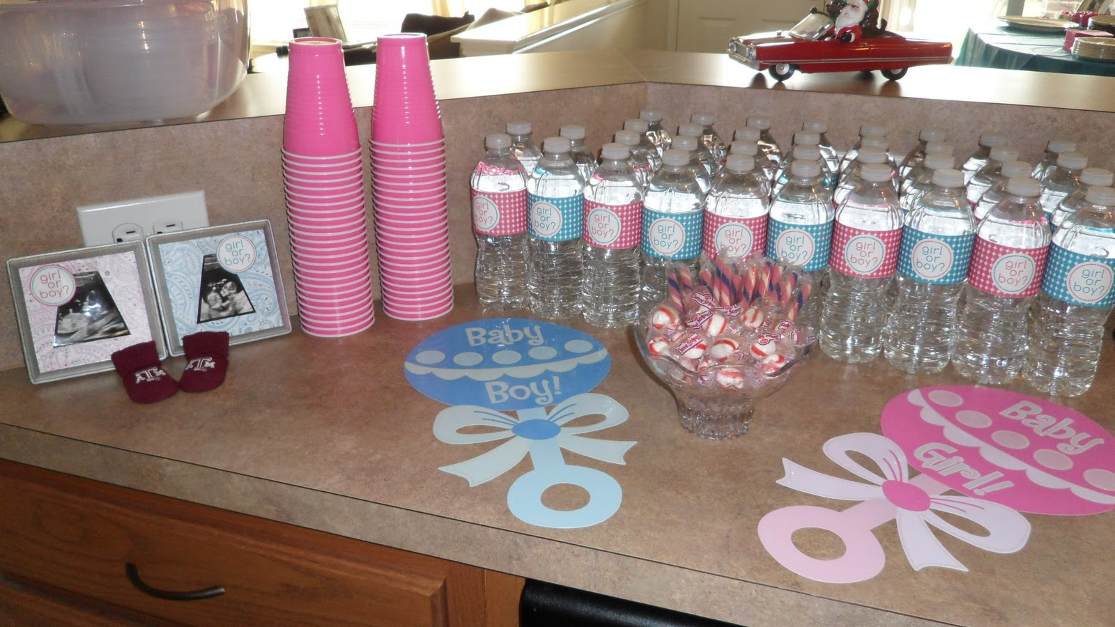 Gender reveal baby shower on pinterest gender reveal for Baby decoration party