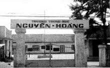 Trường Trung học  Nguyễn Hoàng