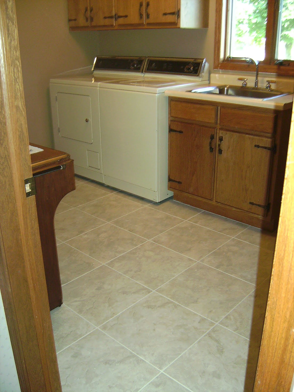 Knapp Tile And Flooring Inc Luxury Vinyl Tile Laundry Room
