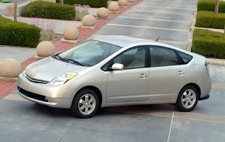Auto elettriche Toyota: la Prius sarà l'apripista di una nuova famiglia elettrica?
