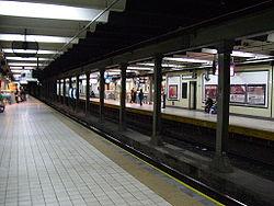 Vista de la estación Castro Barros de la línea {{{linea}}}