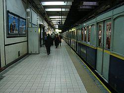 Vista de la estación Acoyte de la línea {{{linea}}}