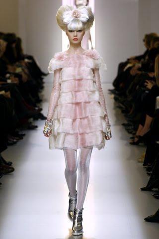 haute couture the lilac mannequin. Black Bedroom Furniture Sets. Home Design Ideas