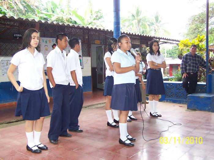 Mayrene en el primer discurso como presidenta electa del nuevo Gobierno Estudiantil