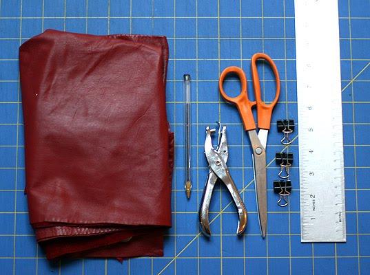 Как сшить своими руками кожаный чехол для телефона