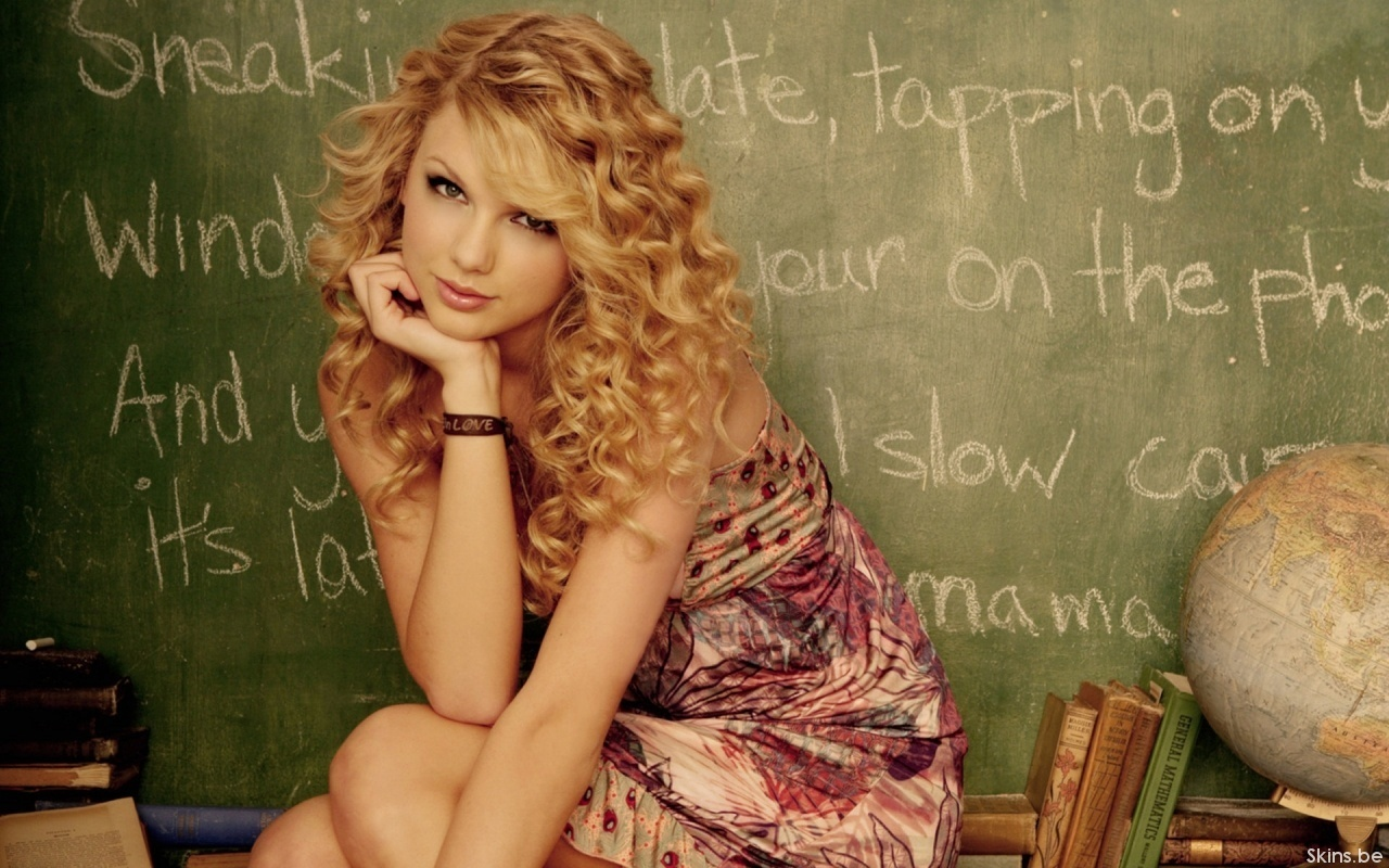 Taylor Swift Natural Hair, Long Hairstyle 2011, Hairstyle 2011, New Long Hairstyle 2011, Celebrity Long Hairstyles 2106