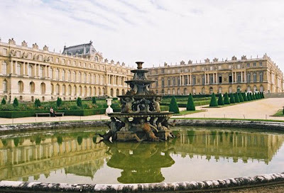 Fountain-Gardens-of-Chateau-de-Versailles-Palace-of-Versailles-France-travel
