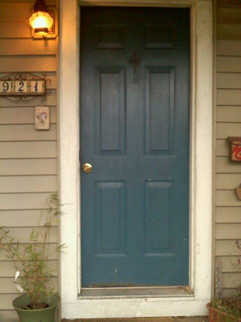 Vestella 39 s vale purple door feng shui for Teal front door