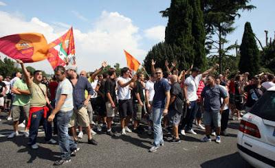Roma, contestazione contro Rosella Sensi