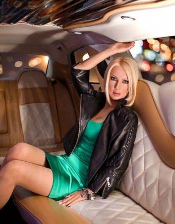 http://4.bp.blogspot.com/_7q0ckTu5r9Q/TLQXwAL2KmI/AAAAAAAAAS8/VmbH_jU-P-U/s1600/dark-secrets-of-celebrities03.jpg