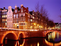 The canals of Amsterdam, by night - such a special atmosphere