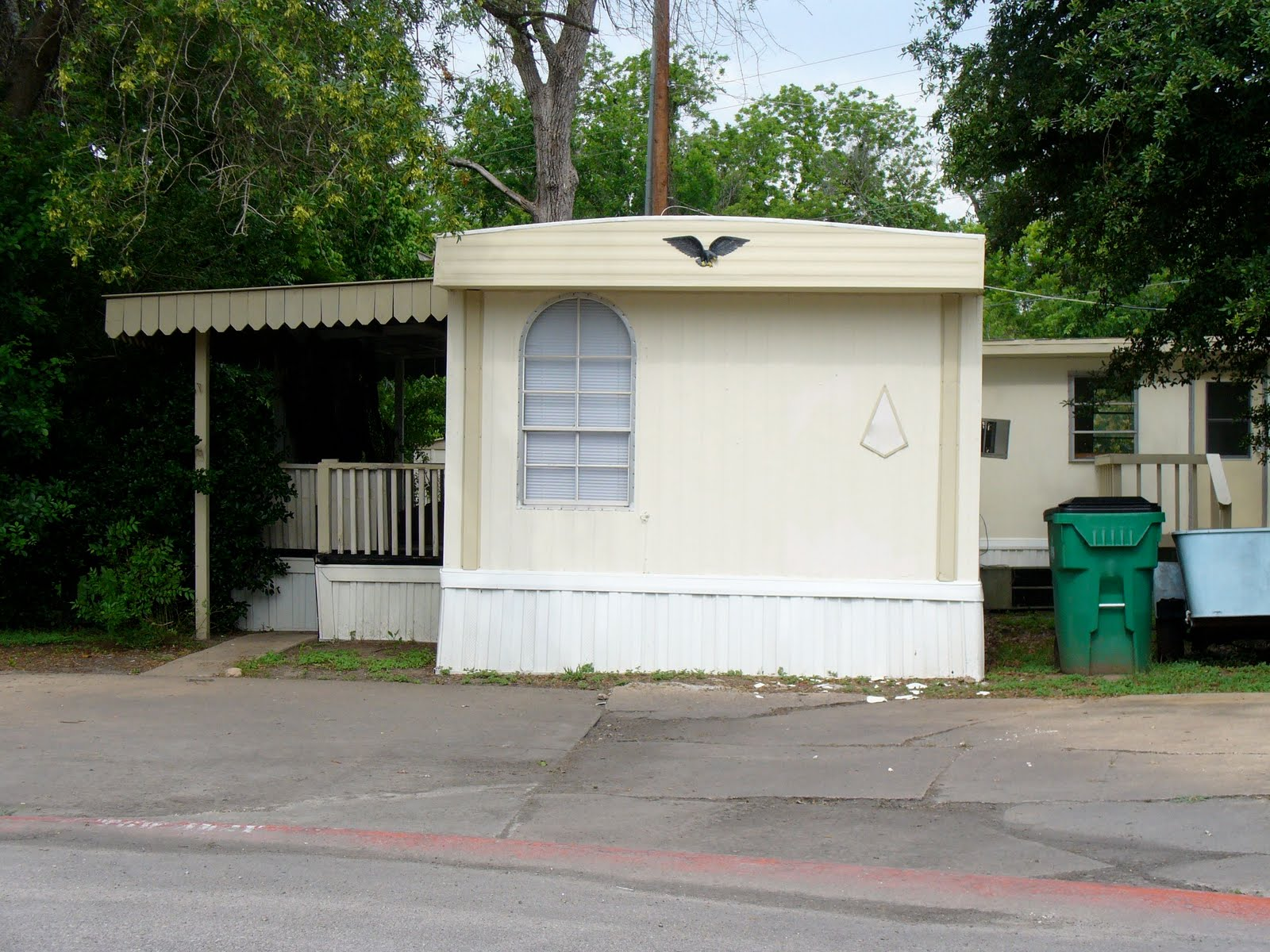 Adventures in mobile homes does it look like a deal 2 1 for Modular homes that look like houses