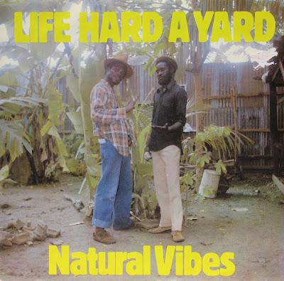 Natural Vibes. dans Natural Vibes Life+hard+a+yard,+front