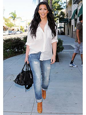 fashion-trend-ripped-jeans-fall-winter-2009-fashion-9-kim-kardashian