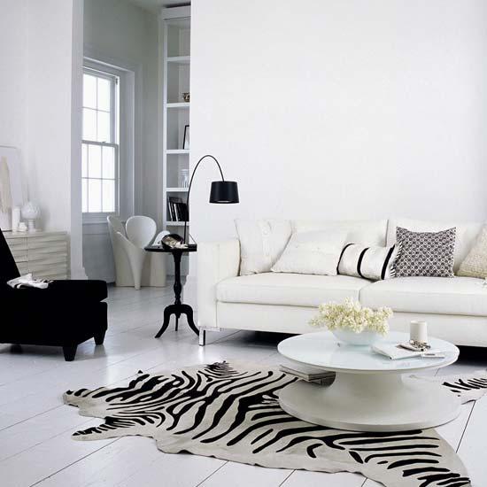 [White-living-room.jpg]