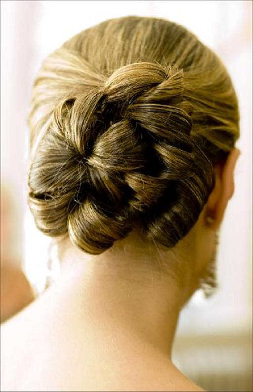 Indian wedding hairstyles for long hair half up
