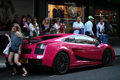 http://4.bp.blogspot.com/_80zxgiZdx0I/SxQQRF9tYoI/AAAAAAAAAWk/Y1uy4k6wn7k/s1600/pink_lamborghini2.jpg