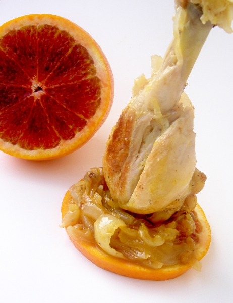 cosce pollo alle arance, cipolle e vinsanto