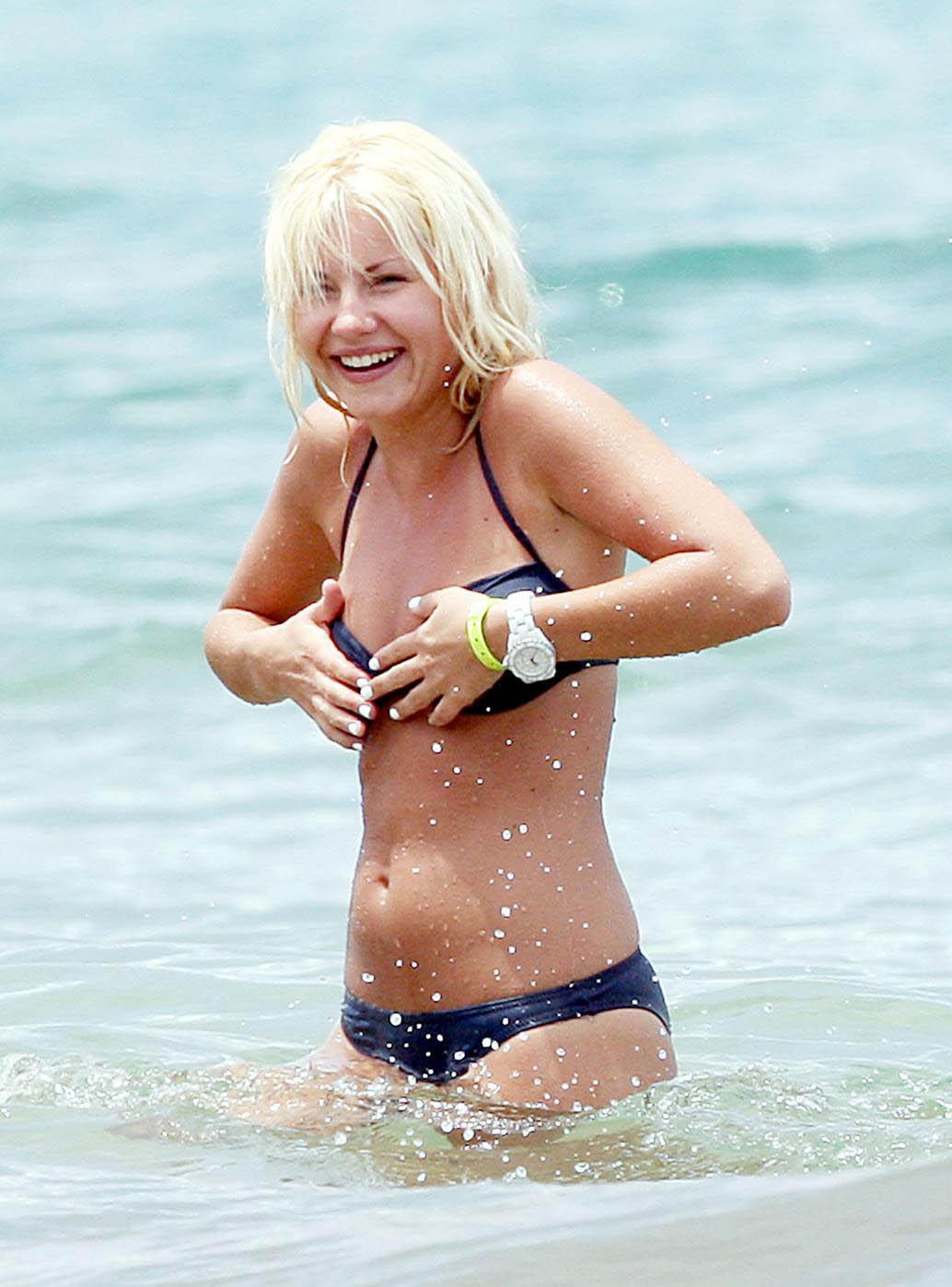 elisha cuthbert in bikini. FOR MORE BIKINI PICS CLICK HERE
