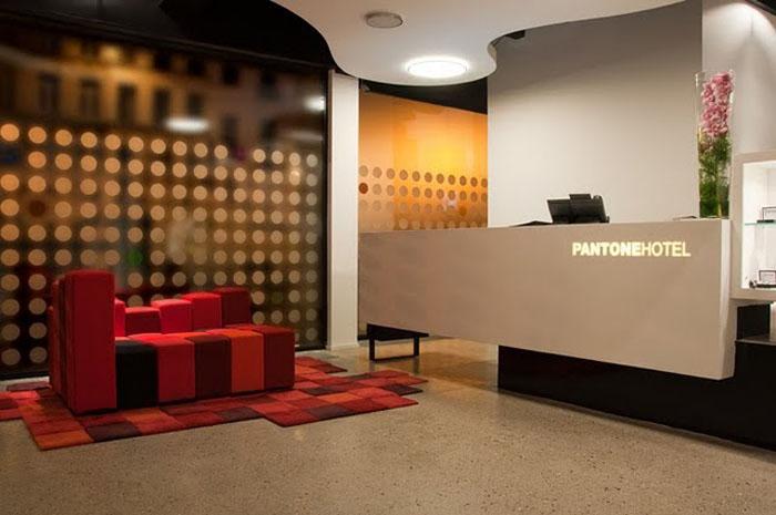 Publicity 21 pantone inaugura su primer hotel for Diseno de lobby de hoteles