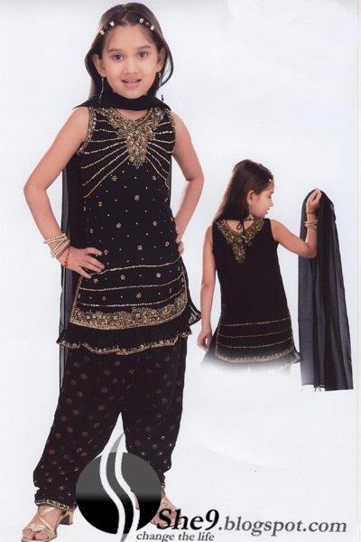 Kids2BParty2BWear2BwwwShe9blogspotcom2B28429 - Beautiful Party Wear Kids Suits...