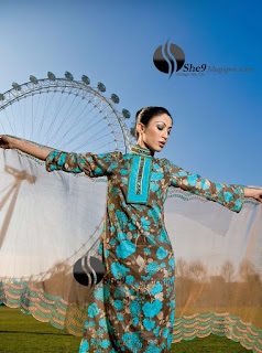 Gul+Ahmed+Stylish+Design+www.She9.blogspot.com+%2813%29 More v neck and round neck shalwar kameez styles from Gul Ahmad