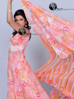 Gul+Ahmed+Stylish+Design+www.She9.blogspot.com+%2821%29 More v neck and round neck shalwar kameez styles from Gul Ahmad