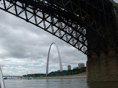 We ARE in the MISSISSIPPI--here's the Arch in St. Louis