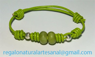 pulsera de cuero con piedra semipreciosa jade