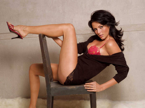 She is none other than Yana Gupta who was seen in films like 'Manmadha'