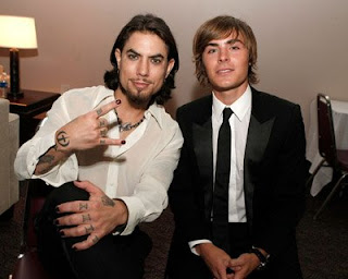 I Mean Who Hasn T Drooled Over Dave Navarro Pictured Right With Zac Efron And His Black Painted Nails At Some Point But Outside The Rock World