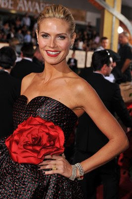 vampy nails heidi klum golden globes Golden Globe Nail Watch   Red & Vampy Ladies