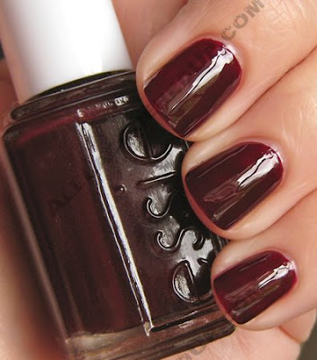 essie wicked nail polish star trek uhura nails Get The Look   Zoe Saldanas Nails in Star Trek