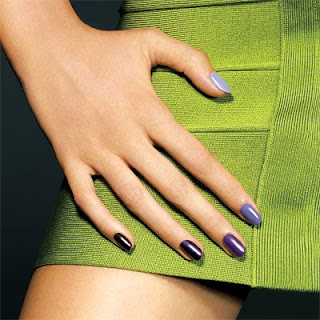 instyle ombre gradated manicure A Twist on the Ombre or Gradation Manicure