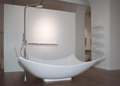 http://4.bp.blogspot.com/_8DfUOJtGfL8/TG0ZY72VMEI/AAAAAAAAEhc/8ljDkk0ya0s/s1600/ceramica-flaminia-leggera-bathtub.jpg