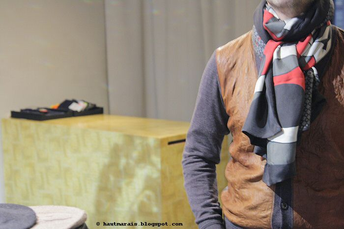 Foulard en soie pour homme ou femme / silk scarf for men and women