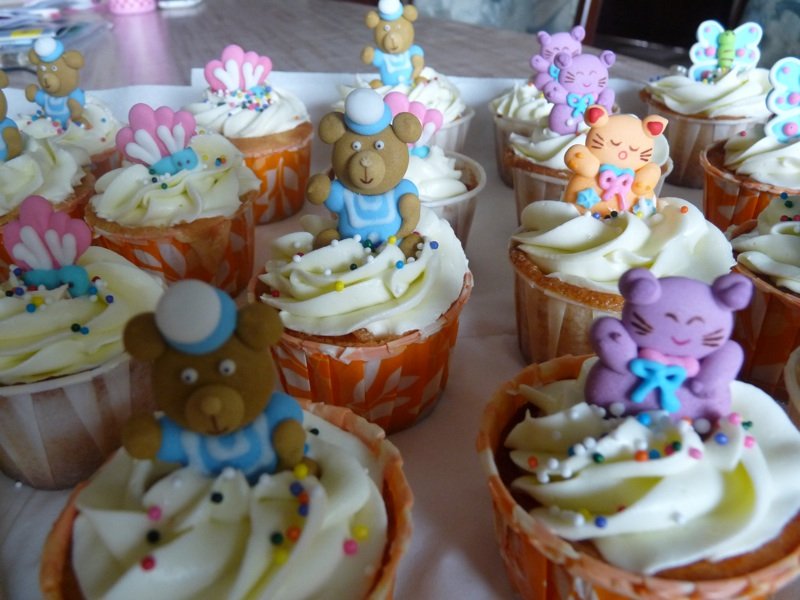 Heavenly Cake Creations: Cupcakes Special - Royal Icing
